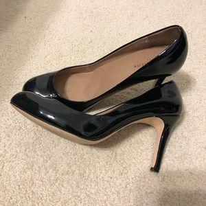 Ann Taylor black heels.